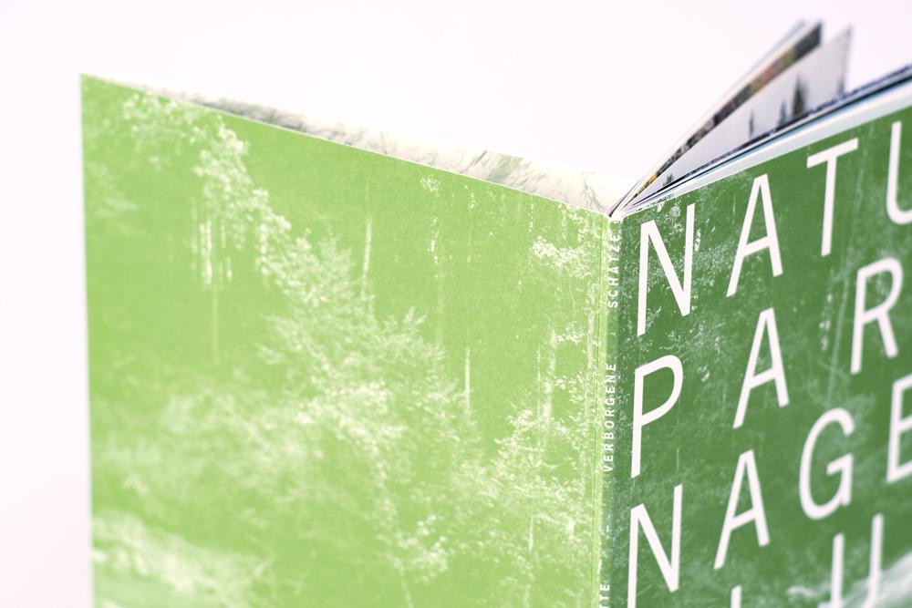 Naturpark Nagelfluhkette - Broschüre - Rücken - Detail. Grafik Julian Hagen